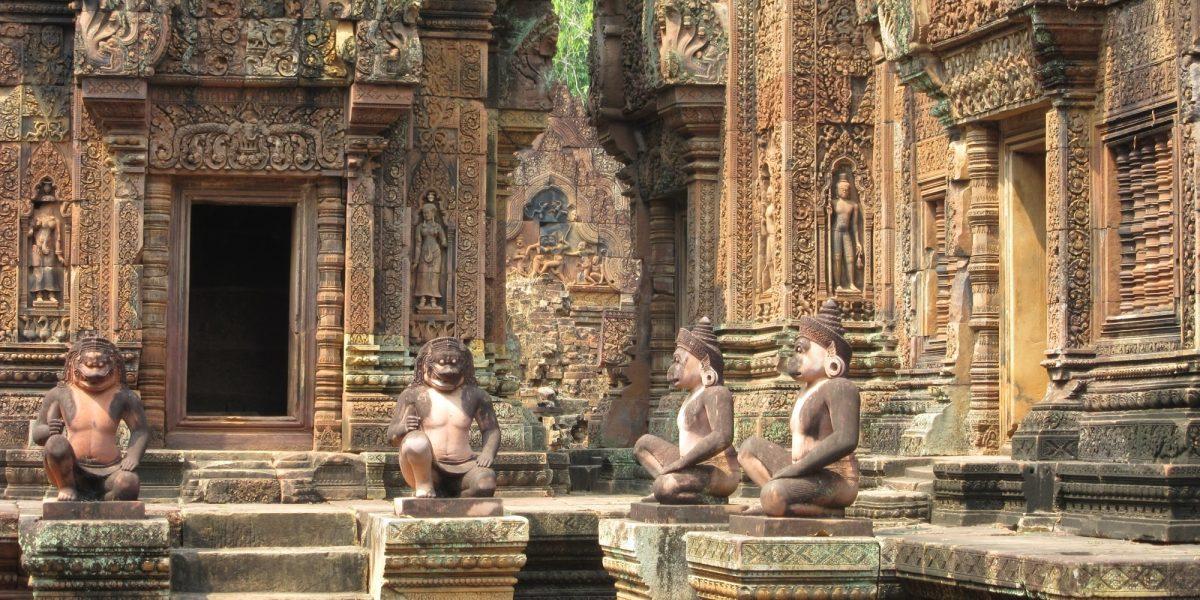 Banteay Srey and the guardians - pinterjuco.hu