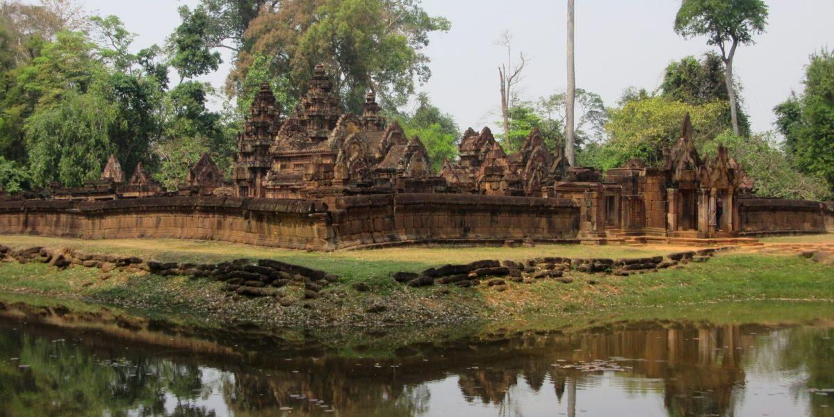 Banteay Srey and the moat - pinterjuco.hu