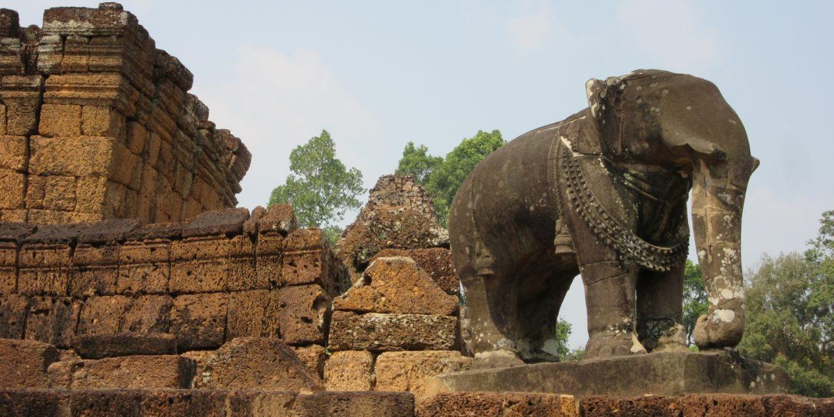 East Mebon elephants - pinterjuco.hu