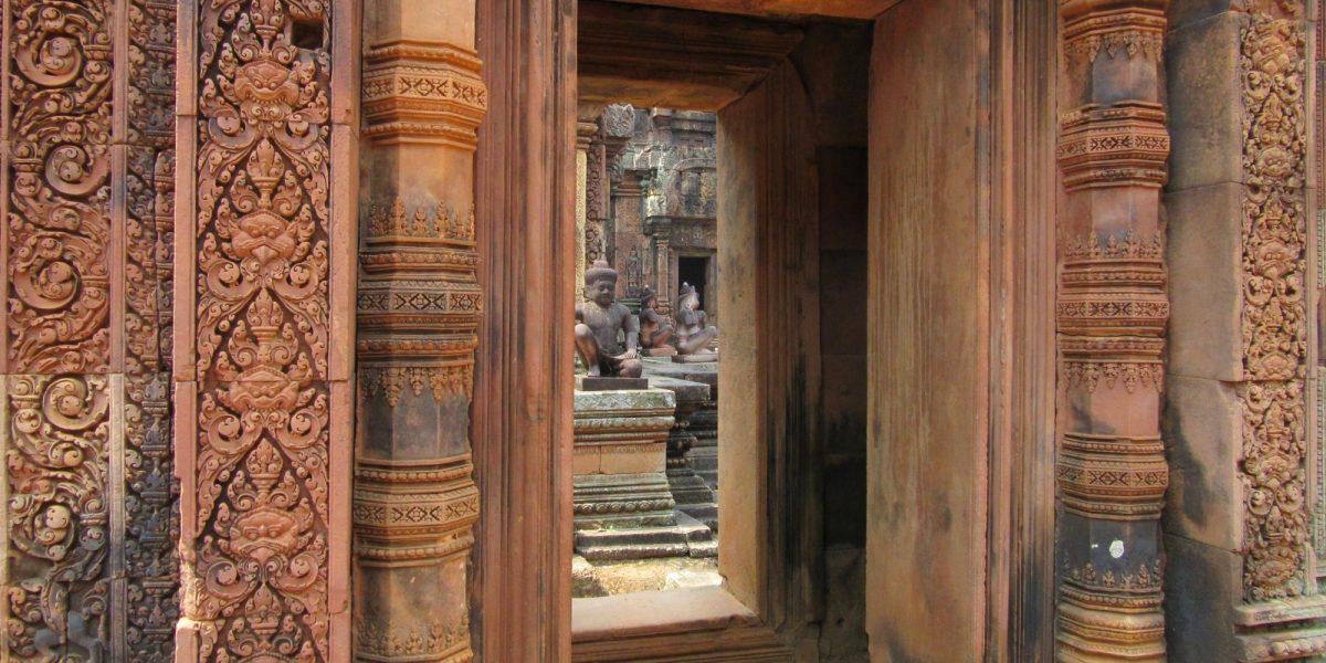 Gate to Banteay Srey - pinterjuco.hu