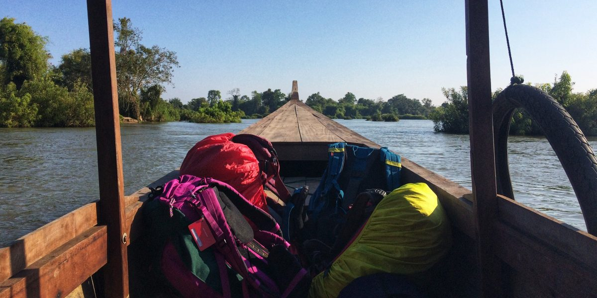 Choose who to bribe! – crossing the border from Laos to Cambodia