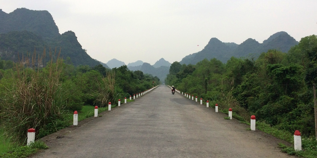 Cat Ba - on the road to the National Park - pinterjuco.hu